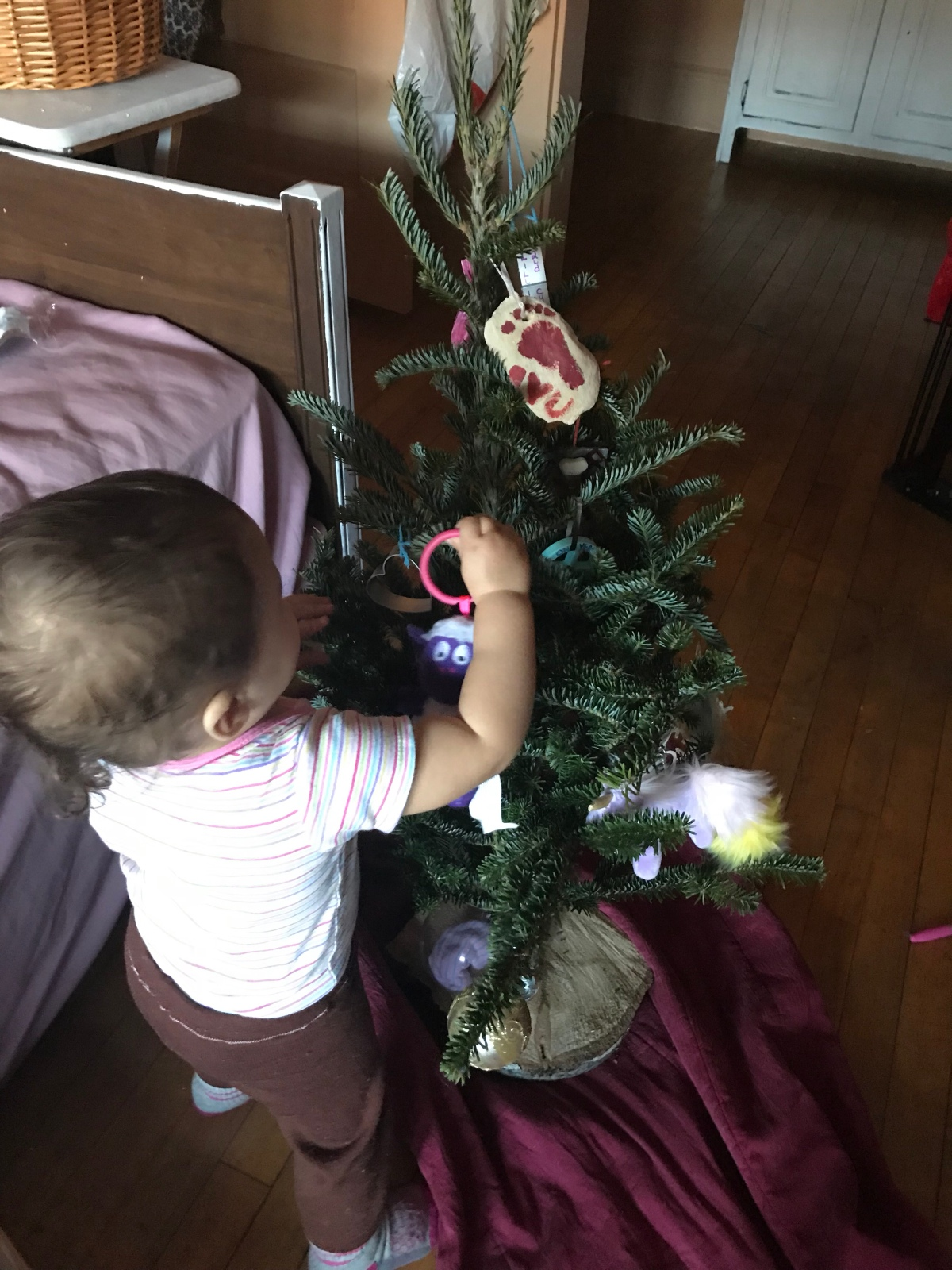 5 Ways to Decorate Your Christmas Tree forFREE